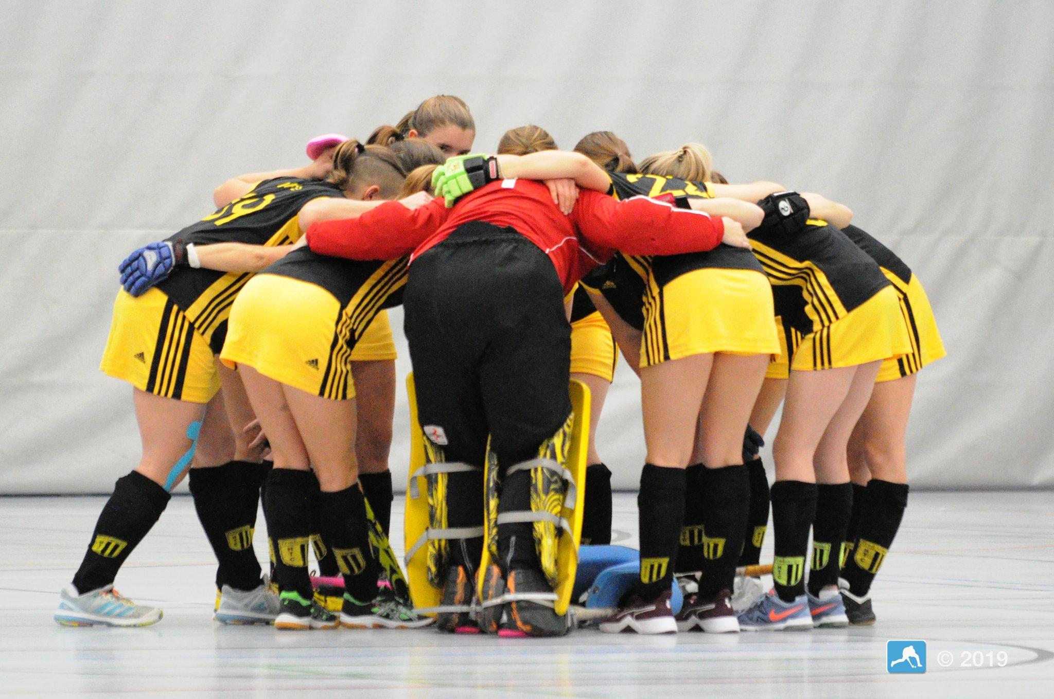 Hockey Oberliga: Damen nach Kantersieg an der Spitze